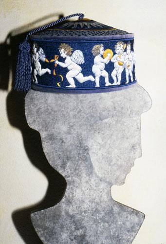 maiolica cherubs hat